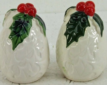 Vintage Lefton Christmas Holly Red Berries Numbered Salt Pepper Shakers Cottage Chic