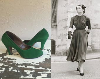 Stopping All Traffic - Vintage Late 1940s Emerald Green Suede Nubuck Leather Pumps Shoes Heels - 6.5B