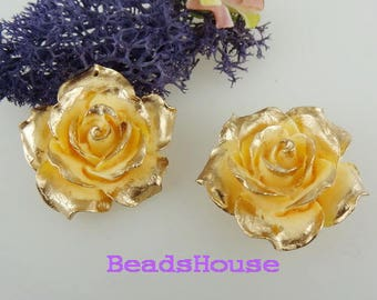 657-00-CA  2pcs (35mm) Hight Quality Big Rose Gold Petals With Hole - Ivory