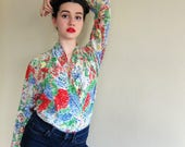 Vintage 1980s Floral Print Silk Multicolored Silk Blouse / Sanyo Fashion House 80s Shirt in Painterly Graphics / Large