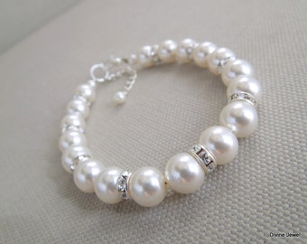 Bridal Pearl bracelet, Ivory Swarovski Pearls, Bridal Classic bracelet, Vintage Style, Bridesmaid bracelet, Wedding Pearl bracelet, KRISTEN