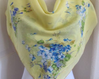 "Beautiful Vintage Pale Yellow Floral Soft Silk Scarf  // 32"" Inch 81cm Square"