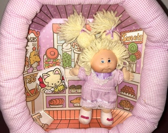 1983 Coleco CPK Cabbage Patch Kid doll pin ups playset candy store