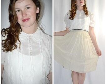 Vintage 1940s Very Fine White Cotton Batiste Button Back Blouse With Inset Lace Sz M