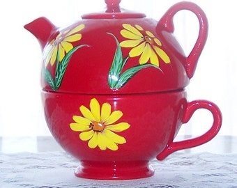 Red Tea Pot / cup with Yellow Daisies