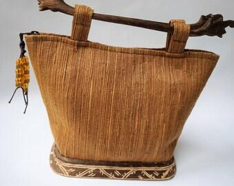 Vintage  Bag SIMON BALI    Wood Handle Straw basket woven Handbag