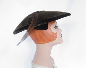 Vintage platter hat, 1940s 1950s brown velvet with feather