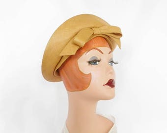Vintage 1960s hat, straw cloche bandeau with bow, Emme