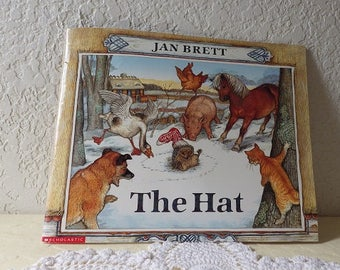 """Children's Softcover Book: """"THE HAT"""", By Jan Brett.  Scholastic, Inc"""