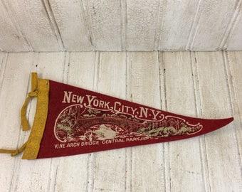 Vintage New York City Souvenir Felt Pennant