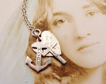 Pretty vintage sterling silver Faith Hope and Charity pendant on silver chain