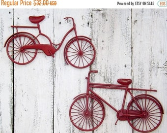 HOLIDAY SALE Bicycle Wall Art / Red Wall Decor / Metal Bicycle / Metal Wall Decor / Shabby Chic Decor / Shabby Chic Decor