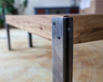 Pallet Wood Bench Seat with Metal Legs