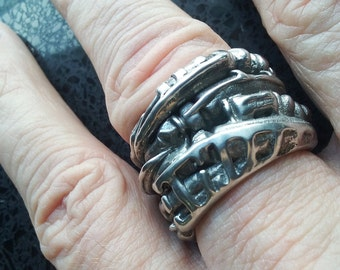 BioMechanical Xenomorph Ring