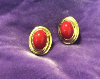 Givenchy clip on earrings red vintage 60s excellent condition goldtone
