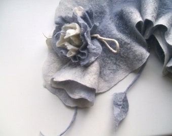 Small Scarf Felted Scarf Necklace Collar Felted white/grey scarf  Ruffle collar with flowers Delicate accessory  Boho Accessory OOAK
