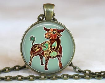 Taurus Zodiac Sign..Astrological Sign..Zodiac Pendant..Glass Pendant, Necklace or Key Ring