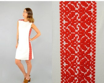 FEBRUARY SALE 60's Embroidered LINEN Shift Dress