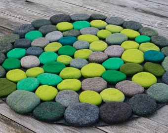 NEW! Hand Made Felted Wool Rug in shades of Green/Gray. Circle size 32 inches  (D-80 cm). Ready to ship!