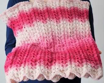 Wool lace knitted super chunky snood for woman, from kauni yarn. Pink gradient. Handmade. Ready to ship.