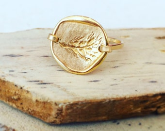 Gold ring, Gold ring for women, Gold statement ring, Gold stack ring, Her gold ring, Hand stamped jewelry, Antique style jewelry, Coin Ring