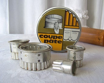 Vintage Pastry Cutters Coupe Pate Tin Nesting Round Fluted Cutters Made in France 1960s