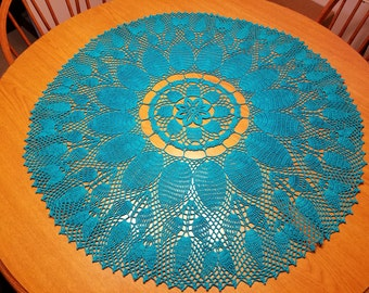 Pineapple table topper-31 inches Round