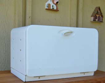 Vintage Breadbox Made In Canda
