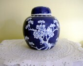 """Vintage  China Porcelain Blue and White Temple Ginger Jar with Lid Chinese  6"""" Tall Prunus Blossom"""