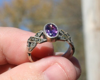 Vintage Sterling Silver Amethys Marcasite Ring Size 7