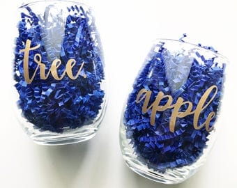Apple & Tree Wine Glasses - Mother Daughter Wine Glasses - Gifts for Mom - Mother's Day - Mom Wine Glass