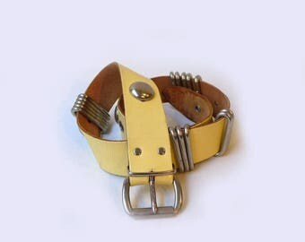 ON SALE Vintage retro pale yellow leather belt with chunky silver details, retro yellow belt, 1970s fashion