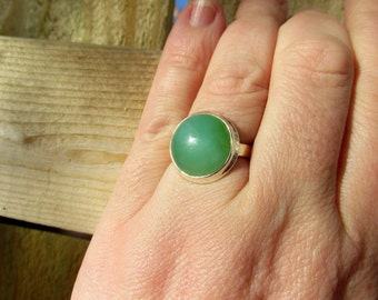 Very Beautiful Chrysoprase Ring, Size 8.5 USA,  925 Silver