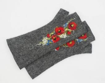 Long Felted Fingerless gloves Fingerless Mittens Arm warmers Gloves -Gray Red Poppies