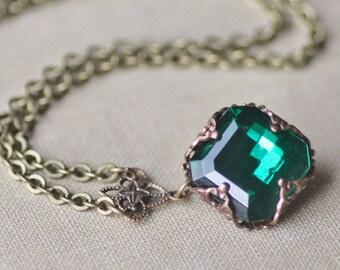 RARE Vintage Emerald Rhinestone Jewel Necklace,Vintage Checkerboard Emerald Green Crystal,Brass Filigree Pendant,Layering Long Necklace,Gift