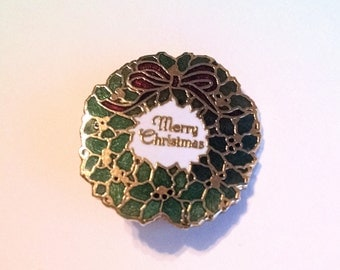 Merry Christmas Wreath Pin Brooch Green Red White Gold Enamel Lapel Scatter Pin Vintage Jewelry Jewellery Gift Guide Women