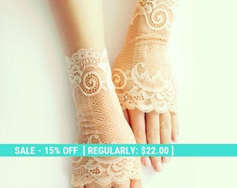 SALE! bridal lace gloves, caramel short gloves, fingerless gloves free shipping
