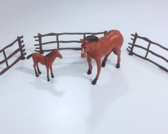 Horse & Foal Cake Topper with Fences