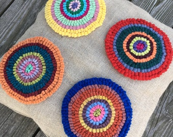 Hand Hooked Rug - Four Circles Throw Pillow on Natural Linen