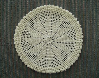 Crocheted Star-Like Pattern Doily or Coaster, Hot Pat, Wall Hanging, Home Decor, Home Decorations, Textiles, Linens