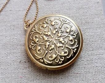 Locket Necklace. Brass Locket. Keepsake Necklace. Gold Locket. Bohemian. Vintage Locket. Long Necklace. Photo Locket