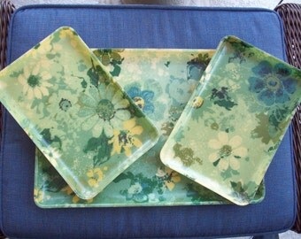 For the Love of Daisies... Green and Yellow Daisy Fiberglass tray