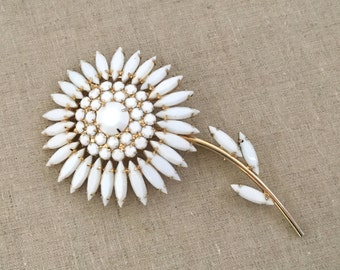 Rare NAPIER Rhinestone Brooch, Napier Rhinestone Flower Brooch Pin, Signed Napier White Rhinestone, White Flower, 1950s Napier Jewelry
