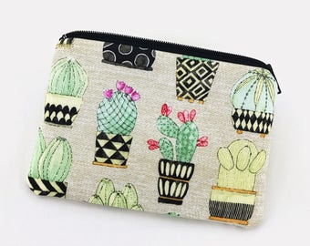 Cactus Coin Purse, Zipper Pouch, Small Wallet, Notions Bag, Gift for her, Padded Pouch, Tan