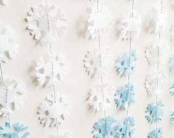 Felt Snowflakes Garland Vertically Hanging
