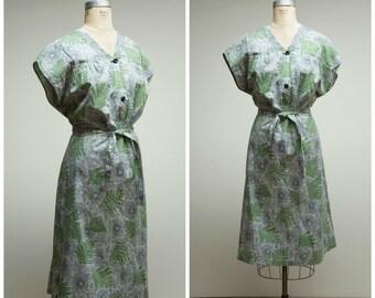 Vintage 1940s Dress • Grass Vale • Green Black Floral Print Cotton 40s Day Dress Plus Size