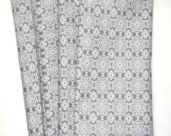 "SALE Eco Friendly Cloth Napkins Geometric Gray & White Diamond 18"" Dinner Napkins"