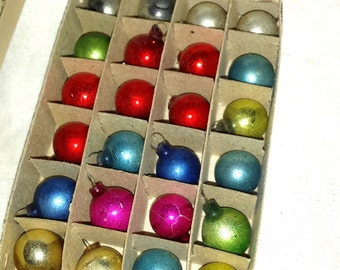 Vintage Feather Tree Christmas Ornaments Glass Balls (24)