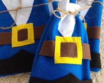 FLYNN RYDER Felt bags/Rapunzel felt party bags/ Set of flynn rider party favors/ tangled/party supplies