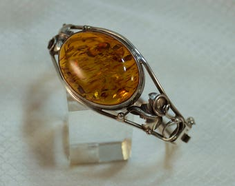 "Large Polish Honey Amber Hinged Sterling Bracelet with Grape Leaf Designs, 7"" Circumference"